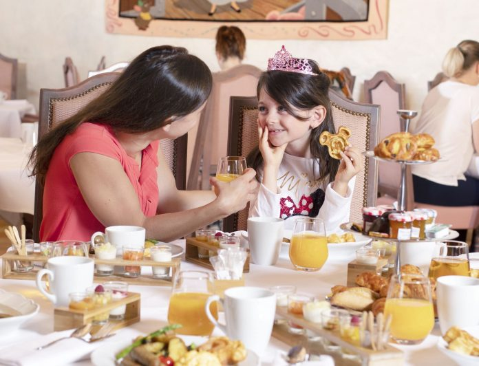 Magical breakfast with Disney Princesses at the Auberge de Cendrillon