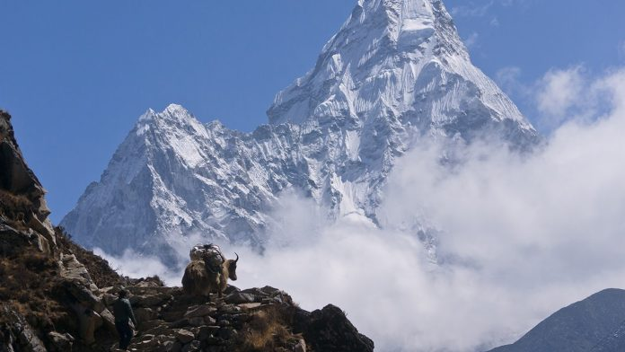 8 Reasons to do Everest Base Camp