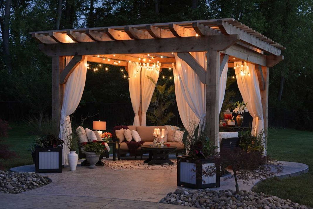How to Furnish Your Patio Properly