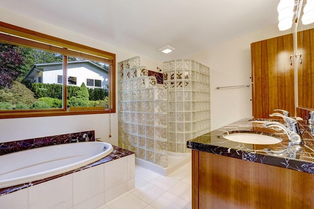 Shower Screens bathroom